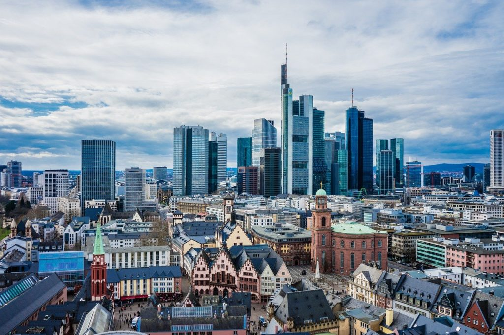 Schuldnerberatung Frankfurt hilft bei Überschuldung